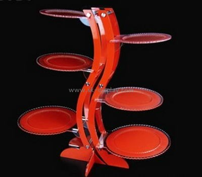 Red S shape acrylic and metal cake display FD-015