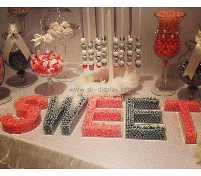 Custom acrylic letter shaped candy display box FD-048